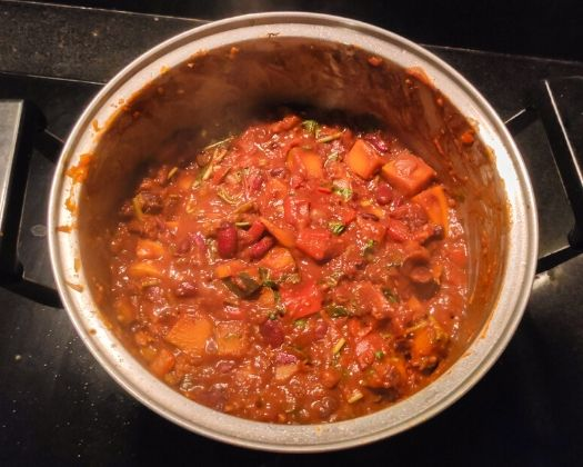 Vegan meatless chili sin carne
