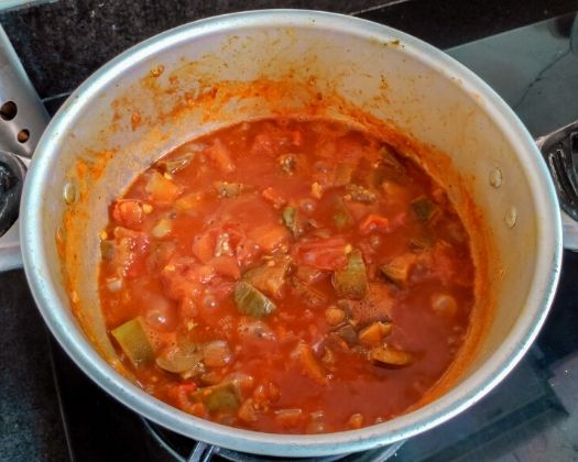 vegan maghmour aubergine eggplant chickpea stew middle eastern plant-based gluten-free one pot lebanese mint walnuts