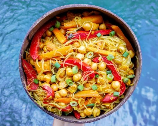 vegan singapore noodles quick easy 30 minutes plant-based gluten-free chinese cantonese